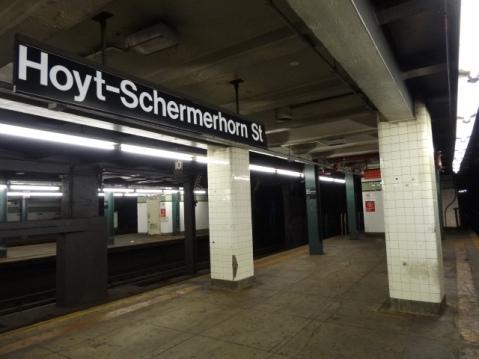 Estación de metro Ny