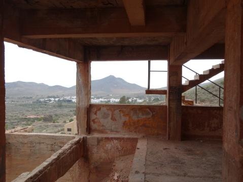 Interior de las ruinas de la  planta Denver