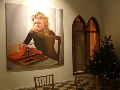 Fotografía de Isabel trabajando en su estudio