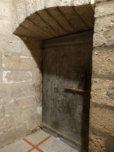Puerta de madera original