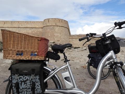 Bicicleta frente a la Batería de San Felipe