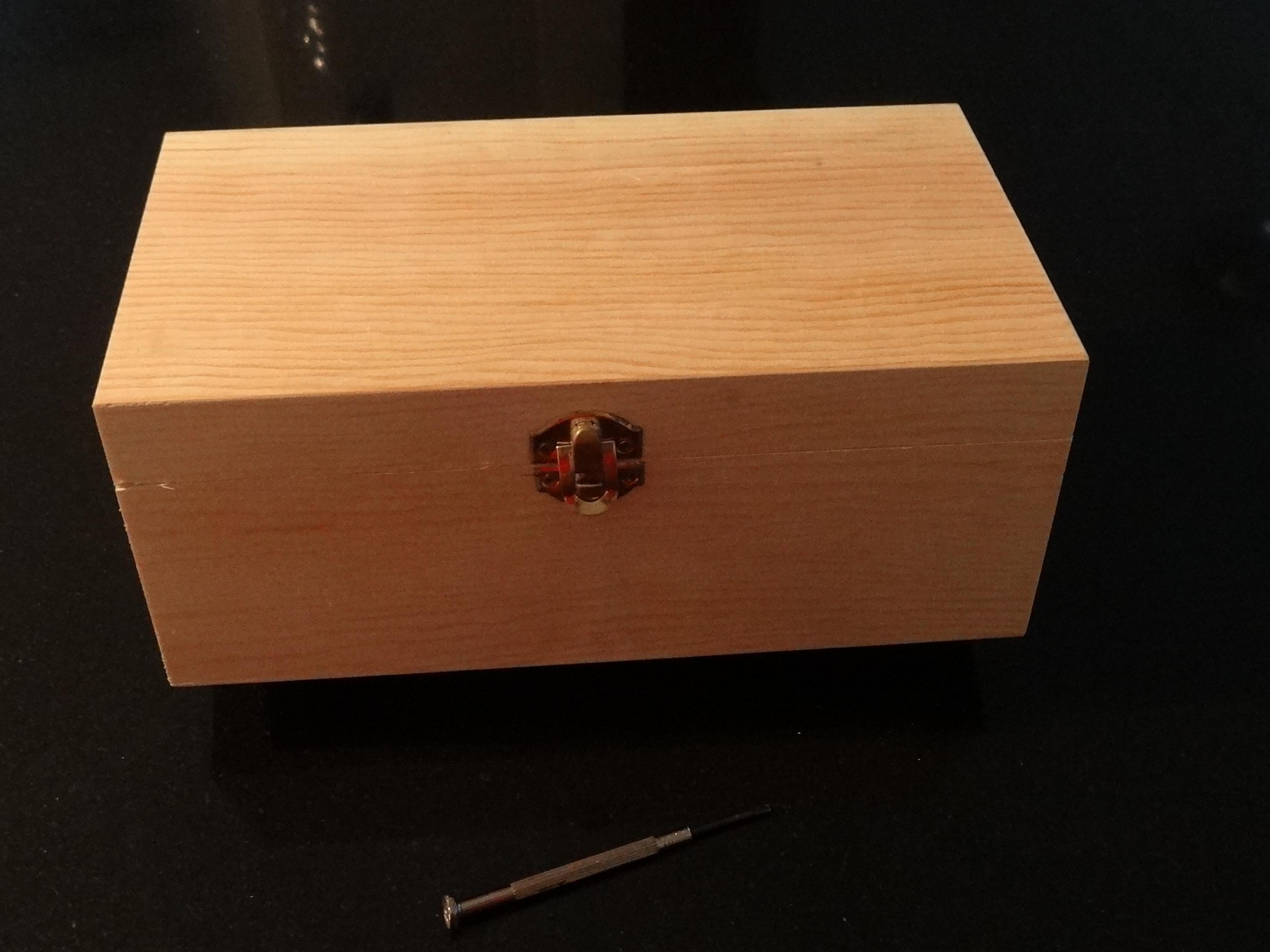 Decoupage viajes eventos - Manualidades pintar caja metal ...